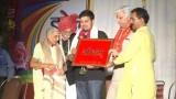 Smt. Vishuddha Ji Ka Samman || Holi Mangal Milan Samaroh 2011 || Arya Samaj