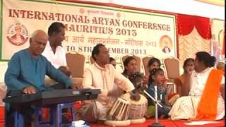 Bhajan : – Madhur Ved Veena Bajaye Chala Ja || International Arya Mahasammelan 2013 || Arya Samaj